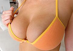 Geile Girls mit Riesentitten beim Telefonsex